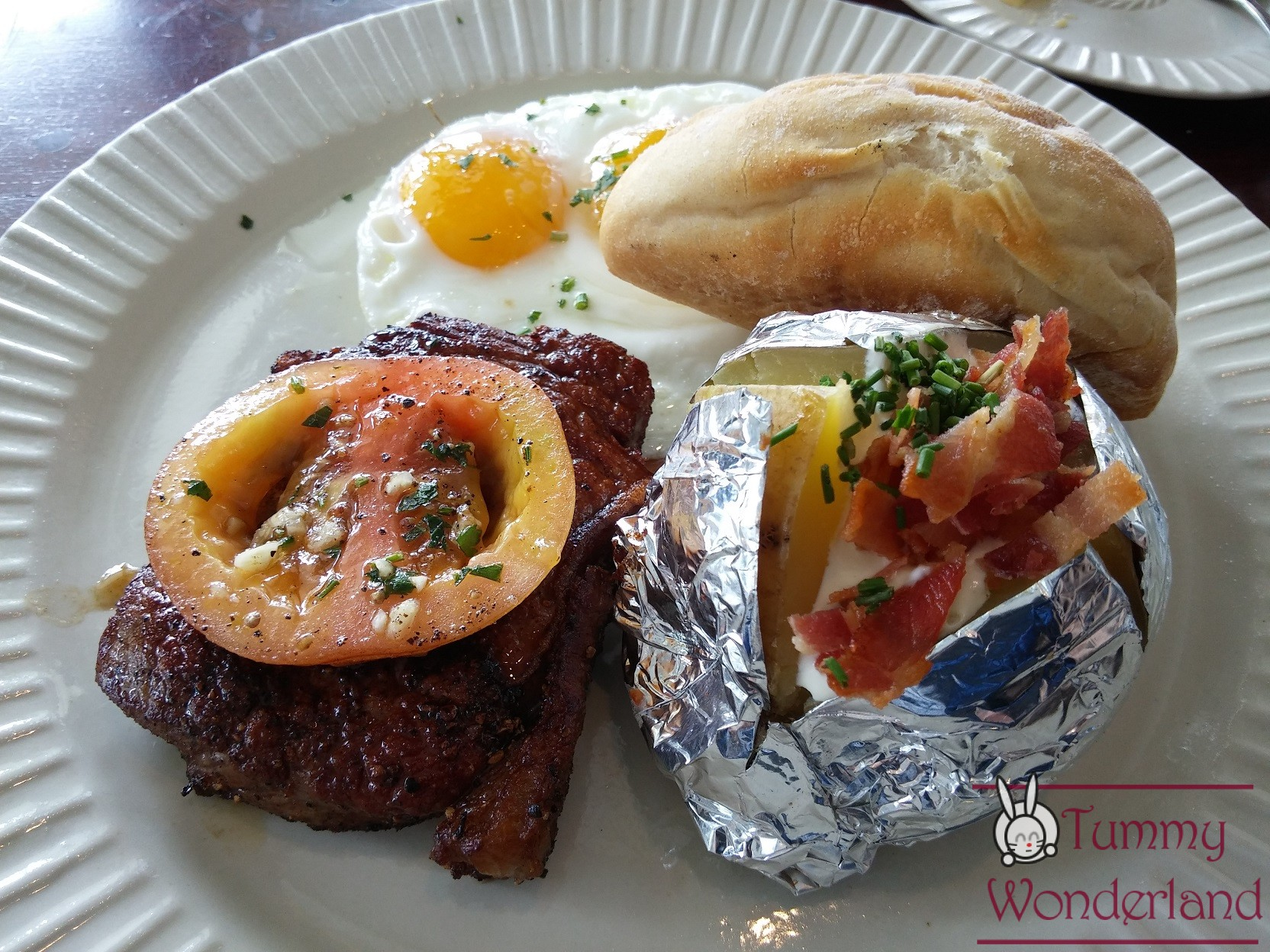 Breakfast at Antonio's_steakandeggs