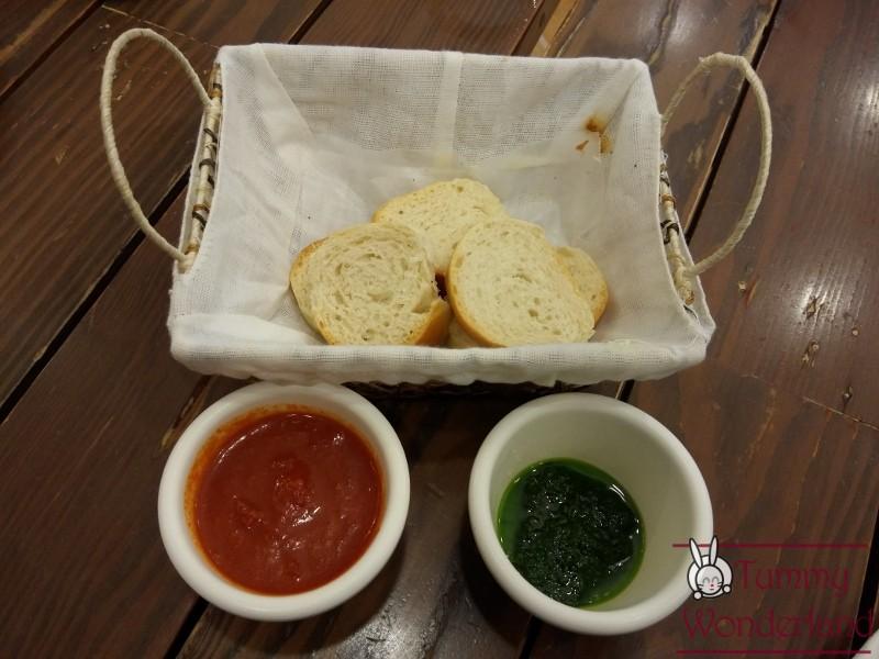 mamalou_bread