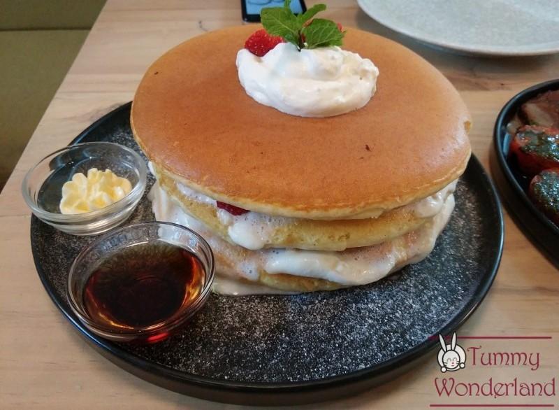 sunnies-cafe_ricotta-pancake-800x600