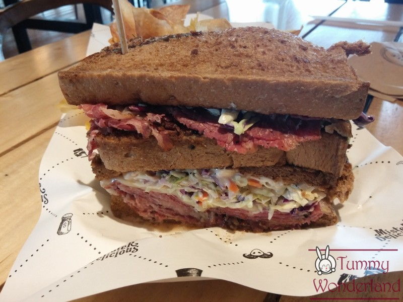 hole-in-the-wall_pastrami-3